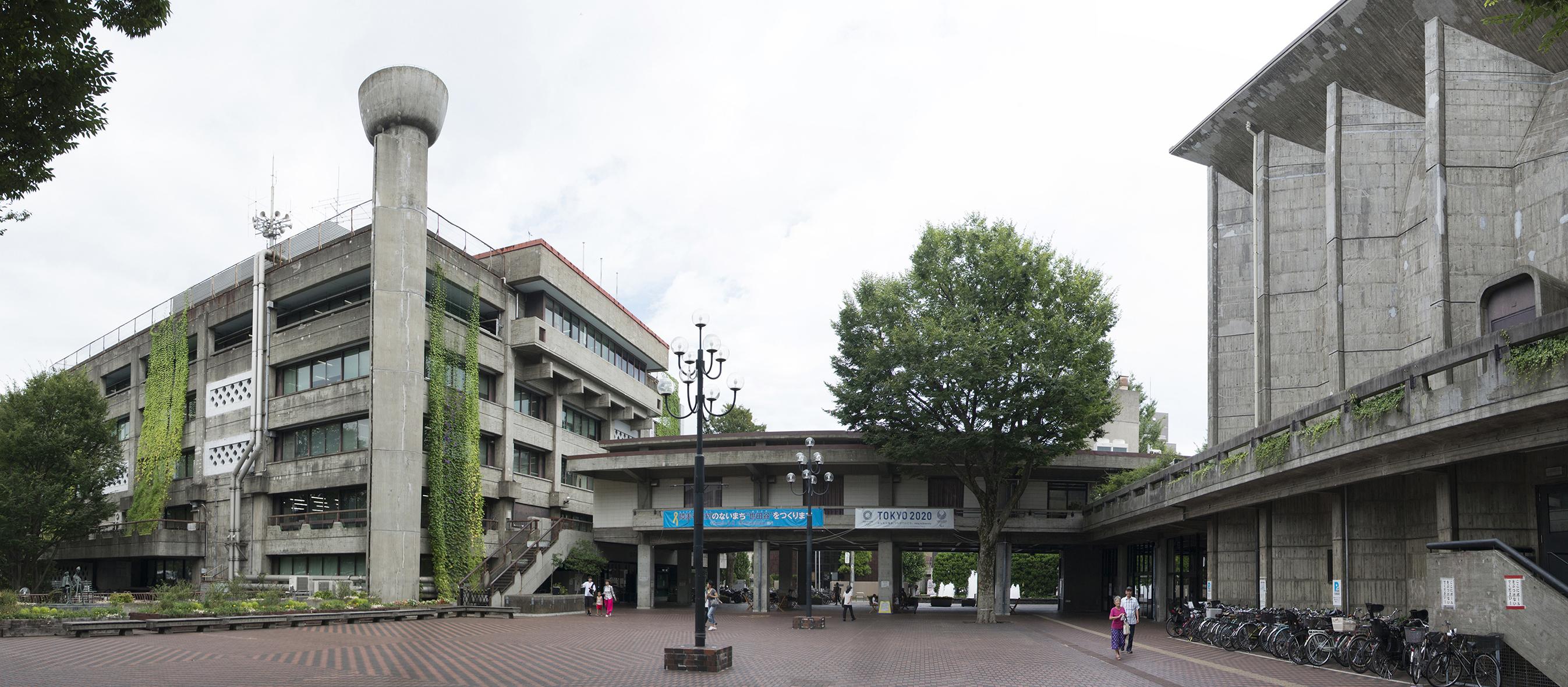 公開プレゼンに向け提案パネルを展示/世田谷区本庁舎・区民会館建替